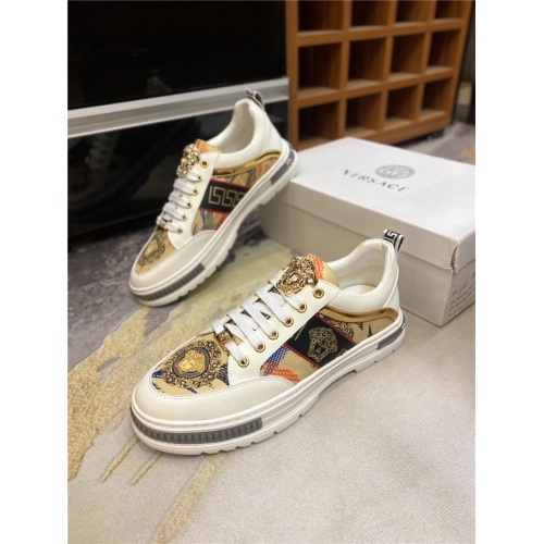 Versace Casual Shoes For Men #836743