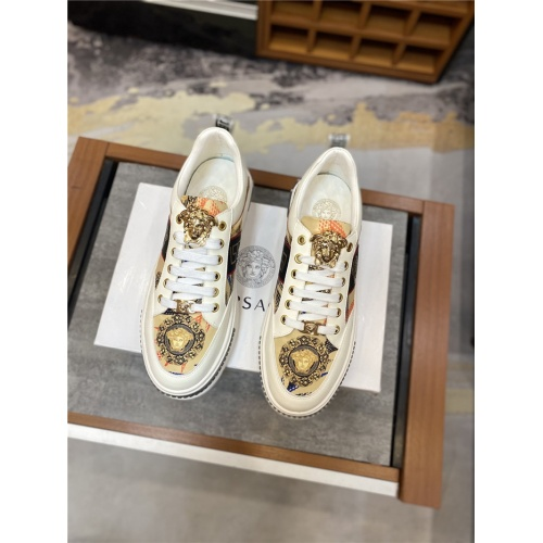 Replica Versace Casual Shoes For Men #836743 $72.00 USD for Wholesale