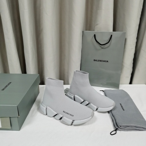 Balenciaga High Tops Shoes For Men #836879