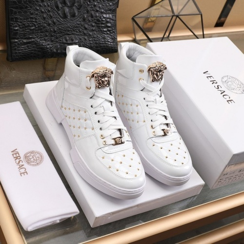 Versace High Tops Shoes For Men #837127