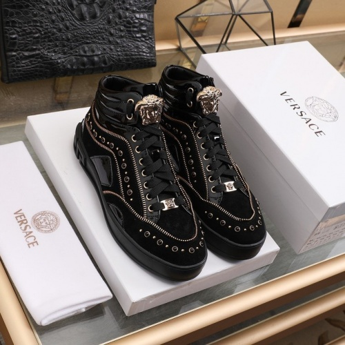 Versace High Tops Shoes For Men #837128