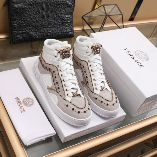 Versace High Tops Shoes For Men #837129