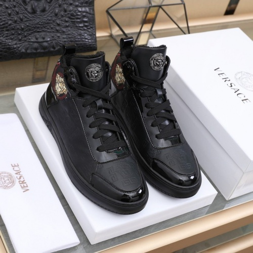 Versace High Tops Shoes For Men #837131