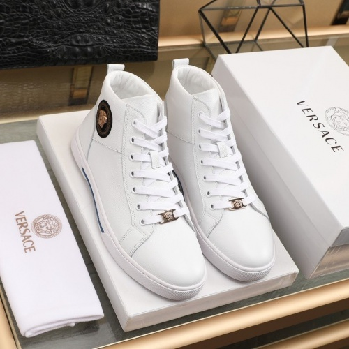 Versace High Tops Shoes For Men #837133