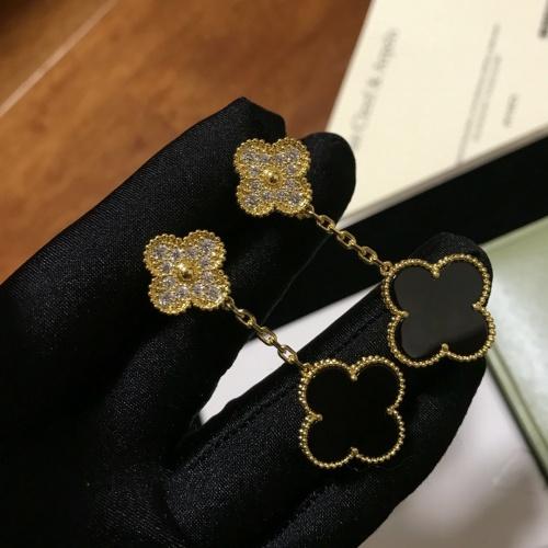 Van Cleef & Arpels Earrings #837316