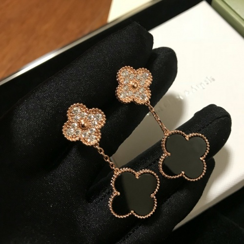Van Cleef & Arpels Earrings #837317
