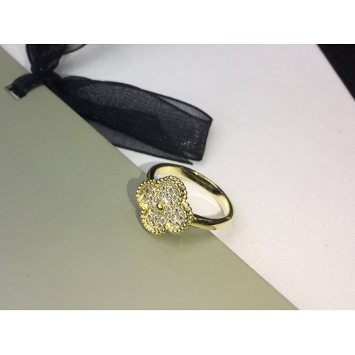 Van Cleef & Arpels Rings #837331
