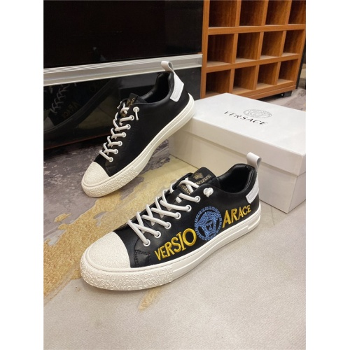 Versace Casual Shoes For Men #838289