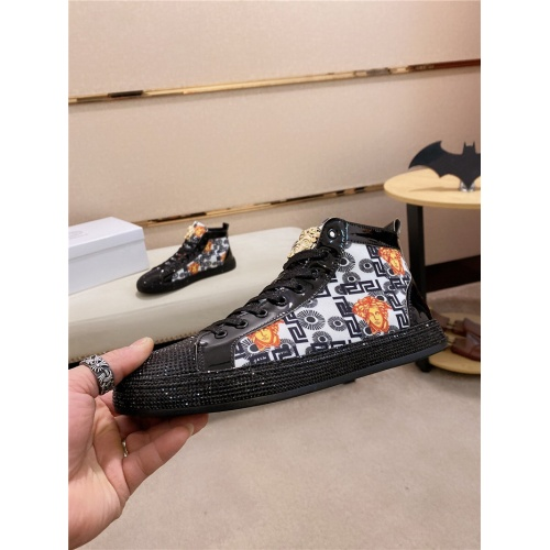 Versace High Tops Shoes For Men #838294