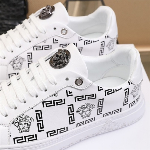 Replica Versace Casual Shoes For Men #838335 $82.00 USD for Wholesale