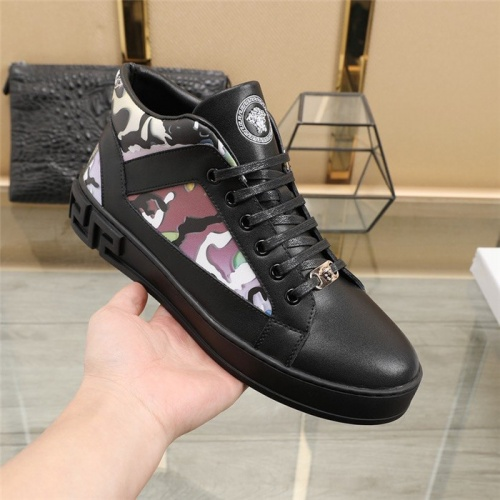 Replica Versace Casual Shoes For Men #838340 $82.00 USD for Wholesale