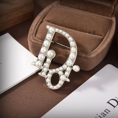 Christian Dior Brooches #838425