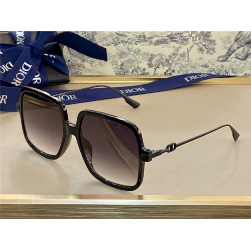 Christian Dior AAA Quality Sunglasses #838813