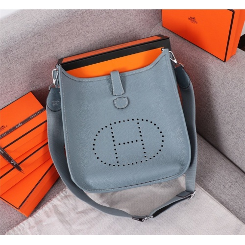 Hermes AAA Quality Messenger Bags For Women #839383