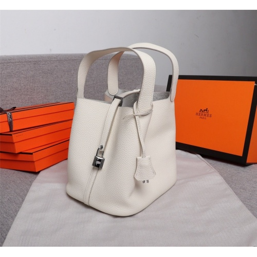 Hermes AAA Quality Handbags For Women #839531