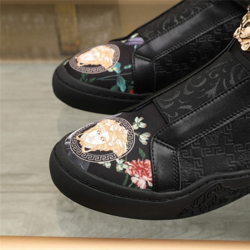 Replica Versace Casual Shoes For Men #839570 $82.00 USD for Wholesale