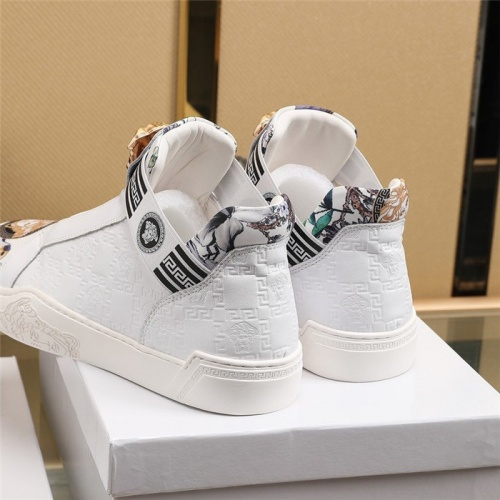 Replica Versace Casual Shoes For Men #839571 $82.00 USD for Wholesale