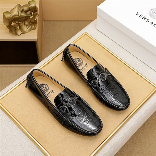 Versace Casual Shoes For Men #839922