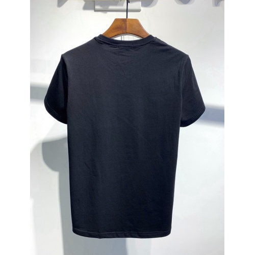 Replica Versace T-Shirts Short Sleeved For Men #840004 $26.00 USD for Wholesale