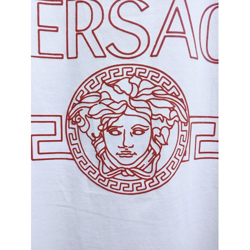Replica Versace T-Shirts Short Sleeved For Men #840006 $26.00 USD for Wholesale