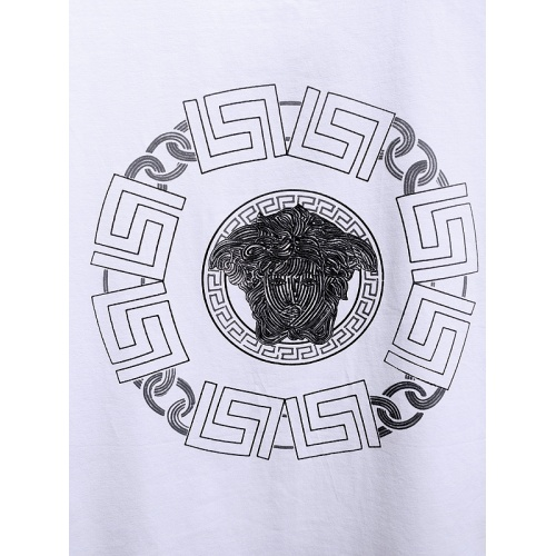 Replica Versace T-Shirts Short Sleeved For Men #840010 $26.00 USD for Wholesale