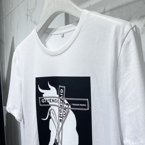Replica Givenchy T-Shirts Short Sleeved For Men #840474 $41.00 USD for Wholesale