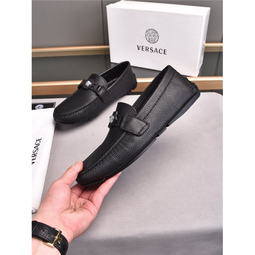 Versace Casual Shoes For Men #840483