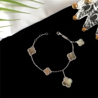 Van Cleef & Arpels Bracelets For Women #835374