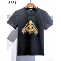 $26.00 USD Versace T-Shirts Short Sleeved For Men #840004