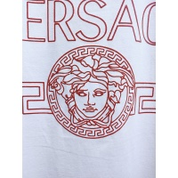 $26.00 USD Versace T-Shirts Short Sleeved For Men #840006
