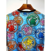 $30.00 USD Versace T-Shirts Short Sleeved For Men #840020