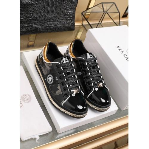 Versace Fashion Shoes For Men #841377 $85.00 USD, Wholesale Replica Versace Fashion Shoes