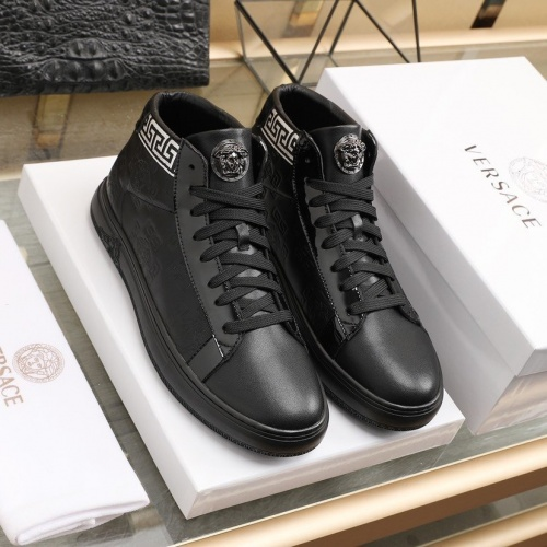 Versace Fashion Shoes For Men #841384