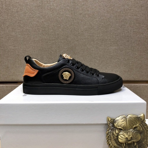 Versace Casual Shoes For Men #841485 $76.00 USD, Wholesale Replica Versace Casual Shoes
