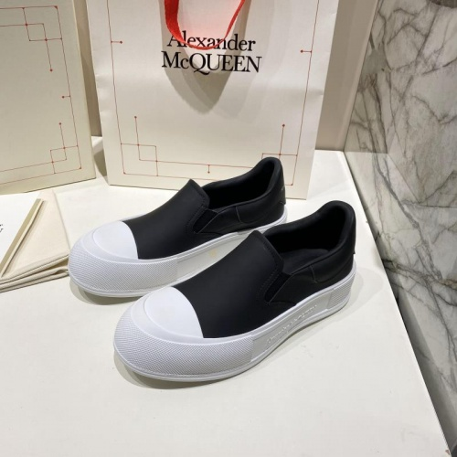 Alexander McQueen Casual Shoes For Women #841763