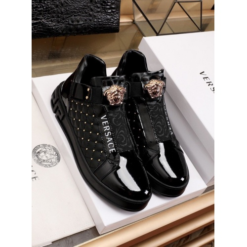 Versace Casual Shoes For Men #841913