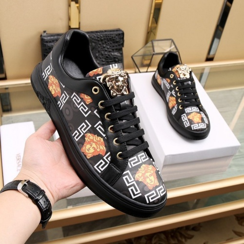 Replica Versace Casual Shoes For Men #841916 $85.00 USD for Wholesale