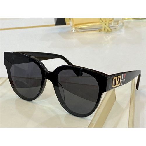 Valentino AAA Quality Sunglasses #842151