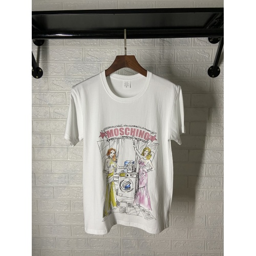 Moschino T-Shirts Short Sleeved For Women #842304