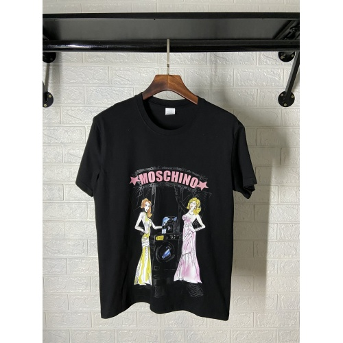 Moschino T-Shirts Short Sleeved For Women #842305