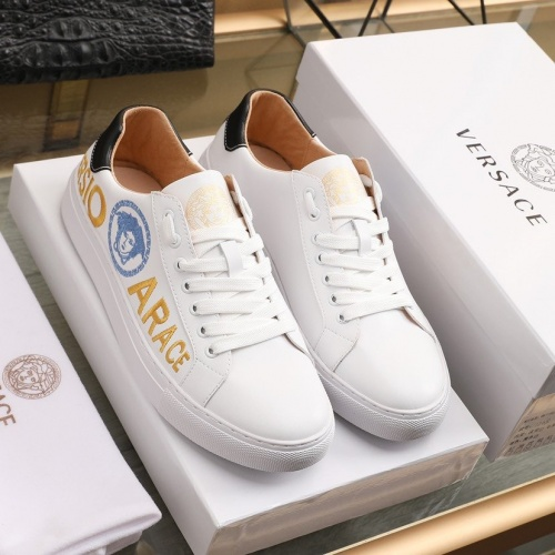 Versace Casual Shoes For Men #842456