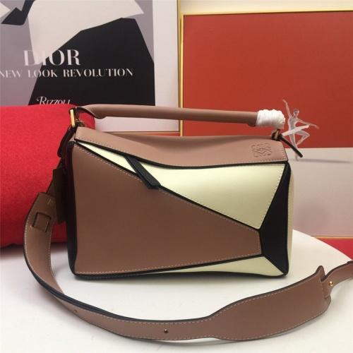 LOEWE AAA Messenger Bags For Women #843609