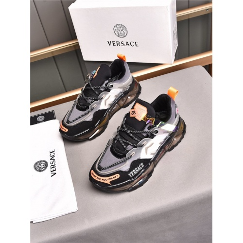 Versace Casual Shoes For Men #843644
