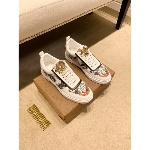 Versace Casual Shoes For Men #843649