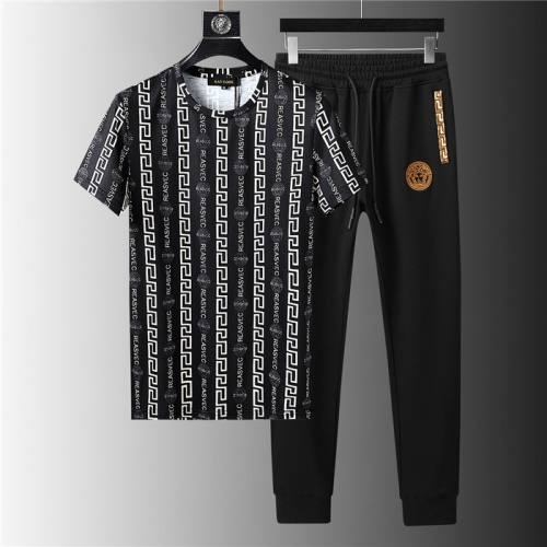 Versace Tracksuits Short Sleeved For Men #844140