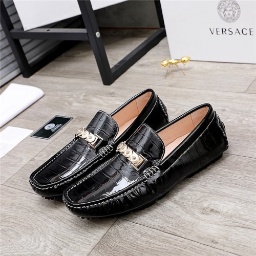 Versace Leather Shoes For Men #844192