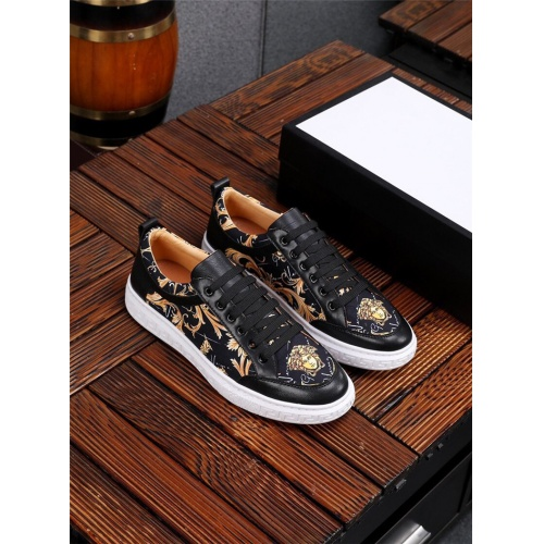 Versace Casual Shoes For Men #844873