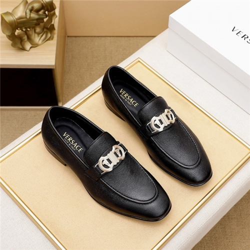Versace Leather Shoes For Men #844928
