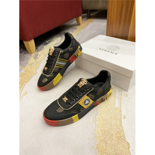 Versace Casual Shoes For Men #844958