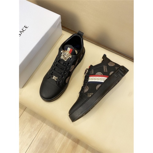 Versace Casual Shoes For Men #844970